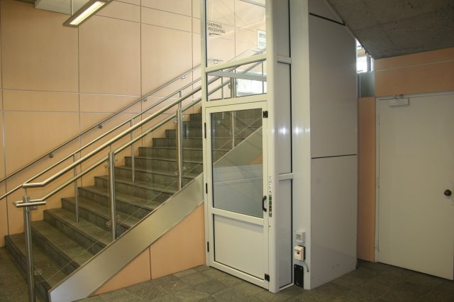 phoca_thumb_l_wheelchair-platform-lift2