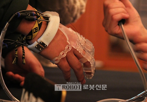 luva exo glove poly 1 casadaptada
