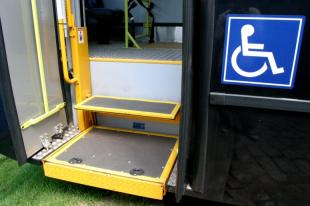 Resultado de imagem para Onibus com Elevadores para cadeirantes no rio de janeiro