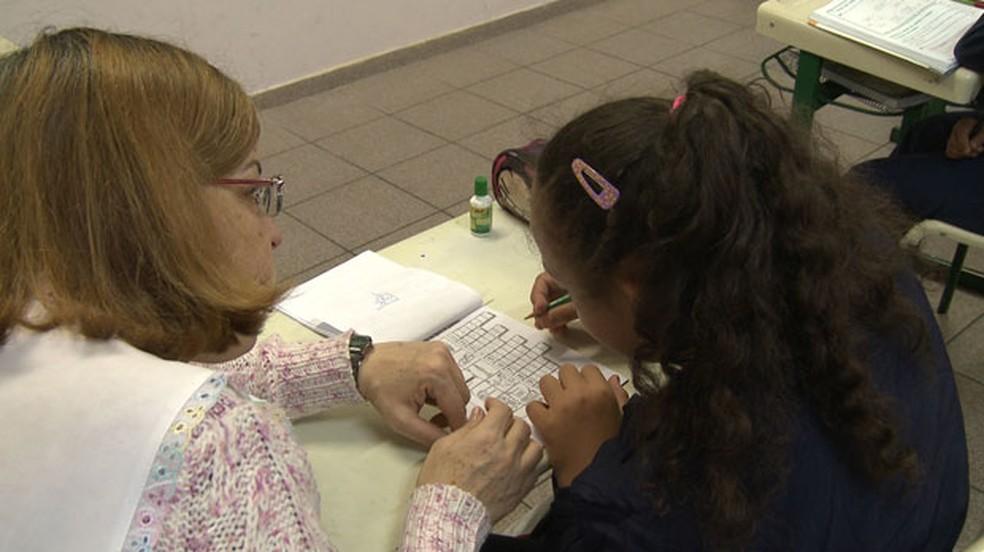 Letticia estuda, desde a creche, em escolas comuns (Foto: Giaccomo Voccio )