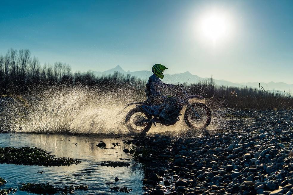 Nicola Dutto compete em uma moto adaptada (Foto: Reprodução Facebook)