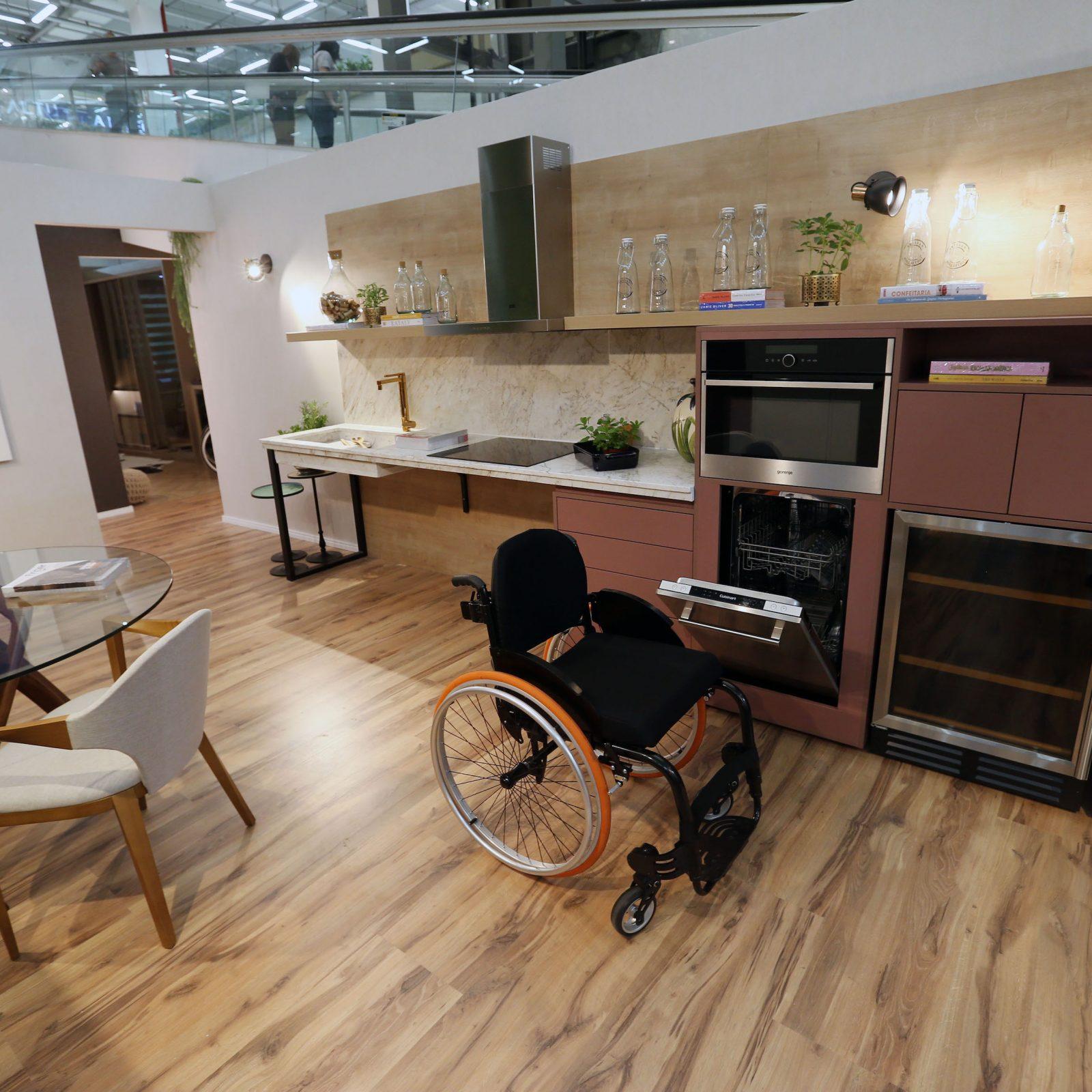 Mostra Lar Center de Arquitetura e Design Universal – Ambiente Cozinha – Profissionais Rita Amorim e Gleice Cappellette